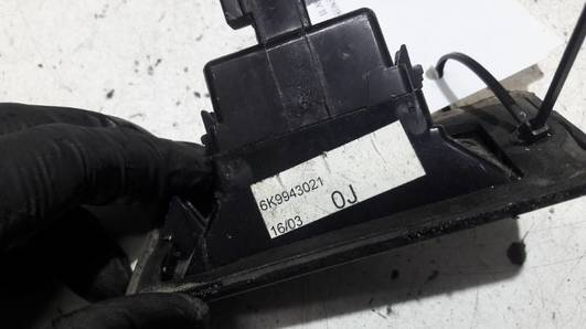 6K9943021 OSWIETLENIE REJESTRACJI CADDY II