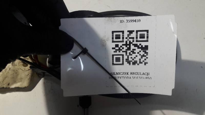 0390206910 SILNICZEK REFLEKTORA VOLVO 850