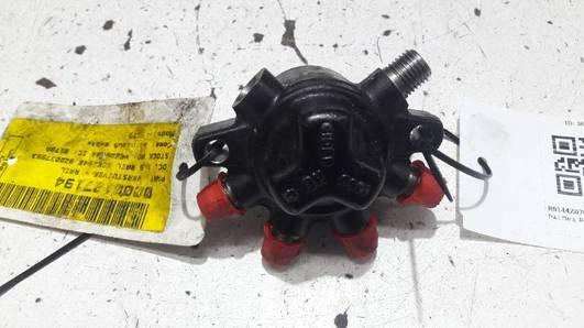 R9144Z070A ROZDZIELACZ PALIWA FORD FOCUS MK 2