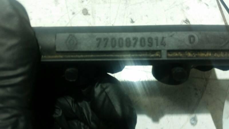 7700870914 LISTWA WTRYSKOWA CLIO II