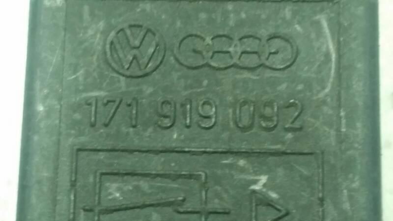 171919092 PRZEKAZNIK VW AUDI