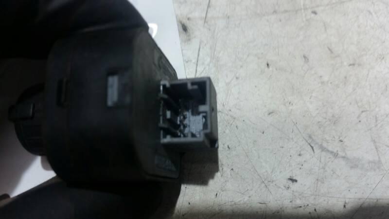 8E0959565 PRZELACZNIK LUSTEREK AUDI A8 D3