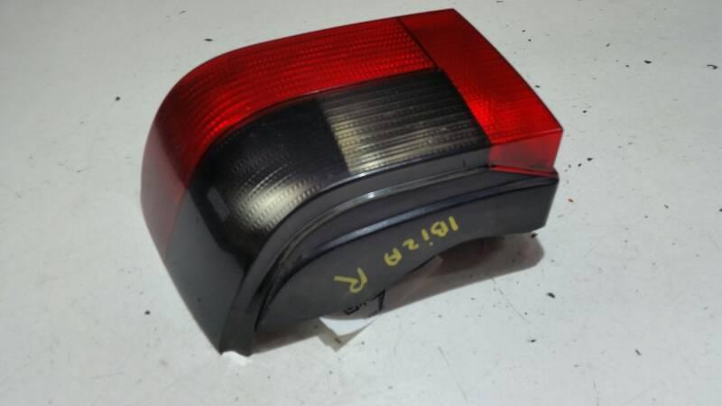 962220 LAMPA PRAWA SEAT IBIZA II