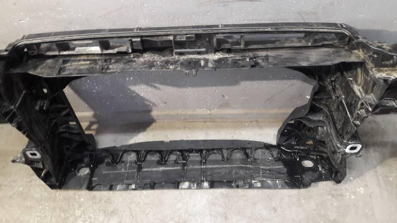 8V0805588 WZMOCNIENIE PASA PRZOD AUDI A3 8V0