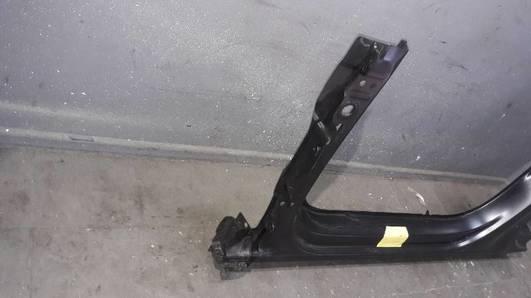 81A809847 SLUPEK PROG LEWY AUDI Q2