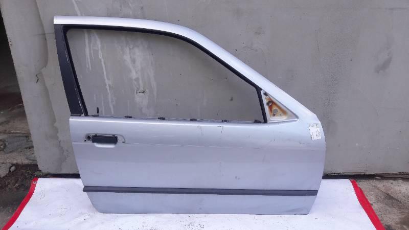 DRZWI PRAWY PRZOD BMW E36 COMPACT SREBRNE
