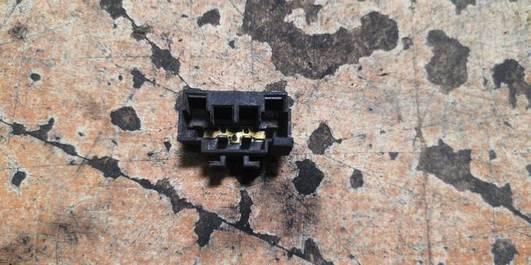 701937501A GNIAZDO BEZPIECZNIKA  VW GOLF II III