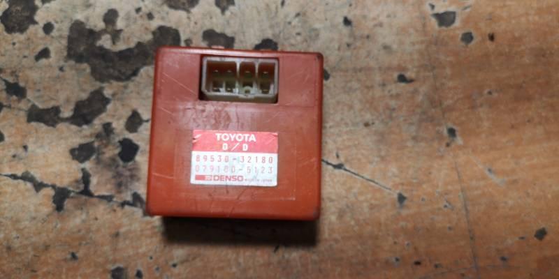 89530-32180  PRZEKAZNIK SKRZYNI BIEGOW TOYOTA