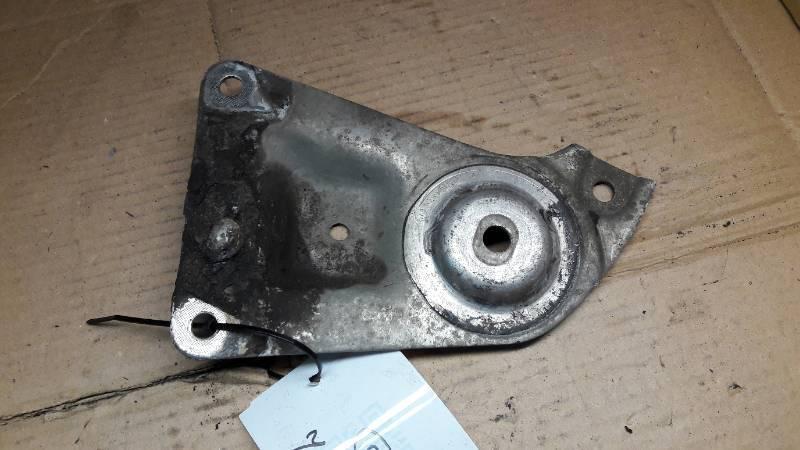 8B0399542E LAPA  WSPORNIK SKRZYNI VW PASSAT B5