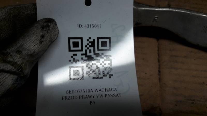 8E0407510A WACHACZ PRZOD PRAWY VW PASSAT B5