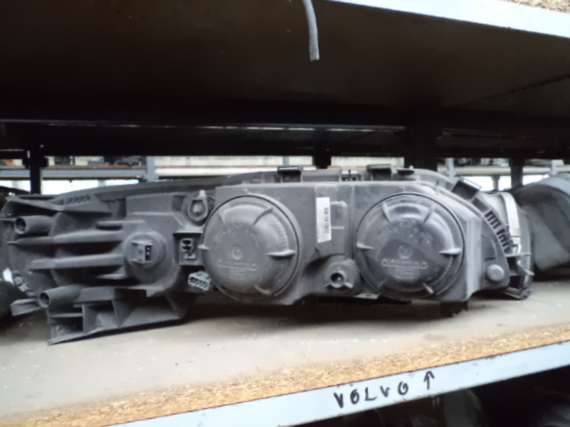 VOLVO S80 REFLEKTOR LEWY LAMPA PRZEDNIA LEWA