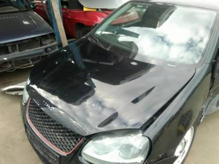 VW GOLF V GTI MASKA ŁADNA