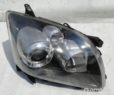 Reflektor Prawy Lampa Prawa Toyota Avensis T25 06